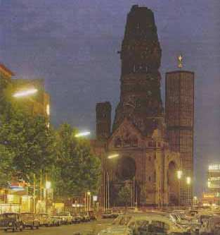 [Gedächtniskirche Berlin - Elections on 09/22, 2002: The Night the Lights Went Down in Germany]